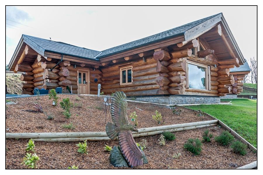 Canadian Log Cabins Provide 5 Star First Night Wedding